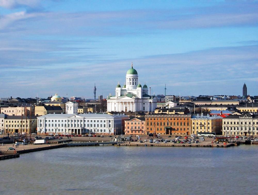 1280px-Suurkirkko_Helsinki_maaliskuu_2002_IMG_0629