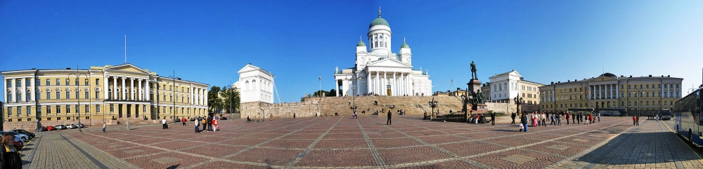 1800px-Senate_Square_-_Senaatintori_-_Senatstorget,_Helsinki,_Finland