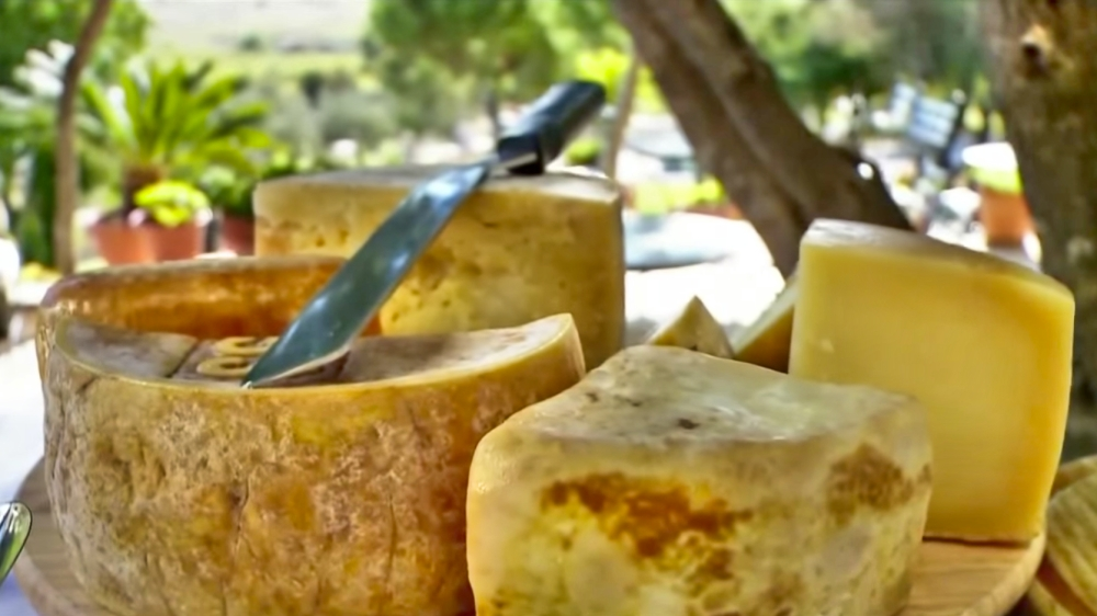 Cheese in the sun (Photo: YouTube Screenshot / Travel Channel)