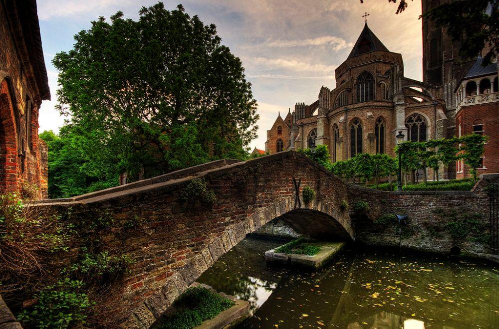 Bruges, Belgium – Photo: Wikimedia Commons, author Wolfgang Staudt
