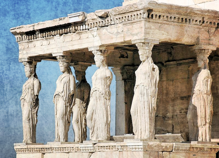 800px-Athènes_Acropole_Caryatides_Fotor